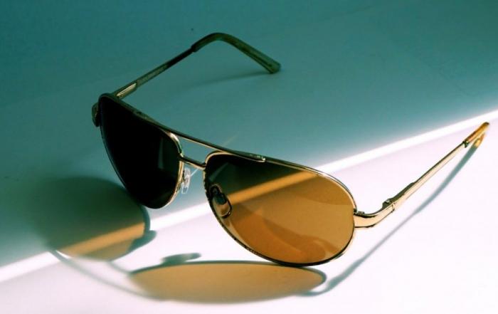 sunglasses_glasses_protection_sun_protection_see_sun_eye_protection_lenses-629431-1024x568